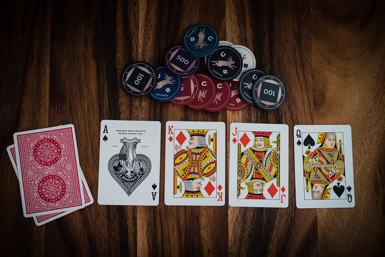 ポーカーの役の種類にはどのようなものがある?