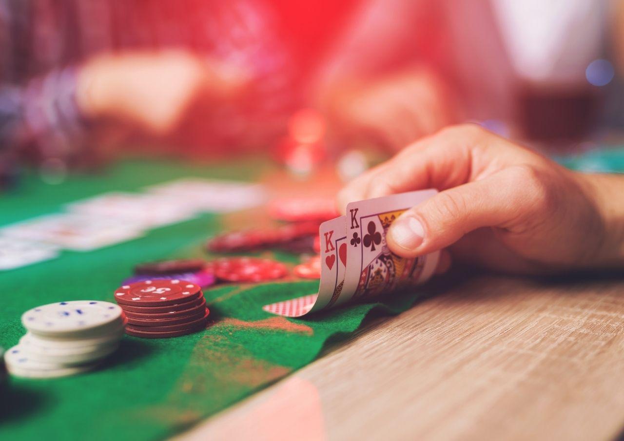 ポーカーのルールや遊び方とは?詳しくご紹介